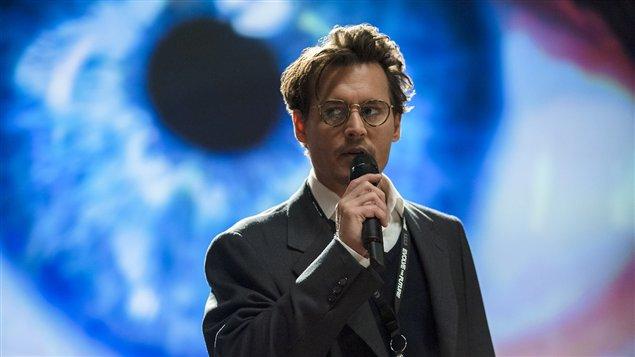 Johnny Depp dans le film <em>Transcendance</em>