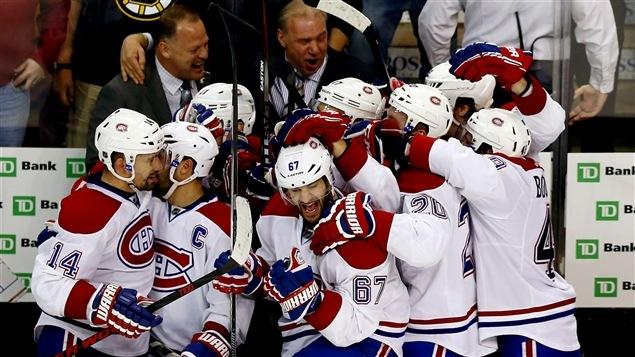 Le Canadien de Montréal célèbre da victoire contre les Bruins de Boston