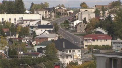 Gel de taxes à Roberval, Saint-Félicien et Dolbeau-Mistassini; hausse à Alma - Radio-Canada