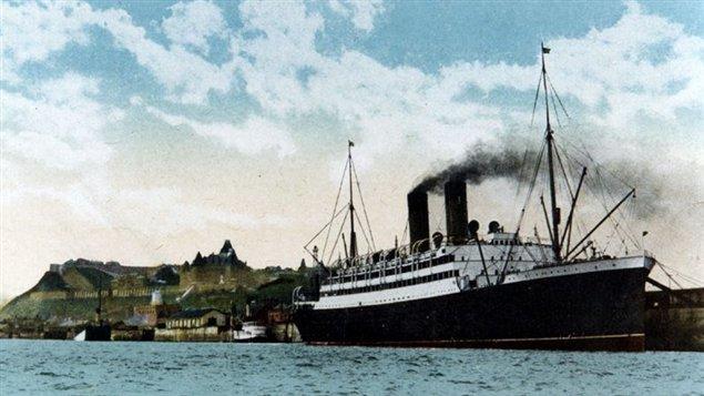 El transatlántico canadiense Empress of Ireland en el puerto de la ciudad de Quebec.