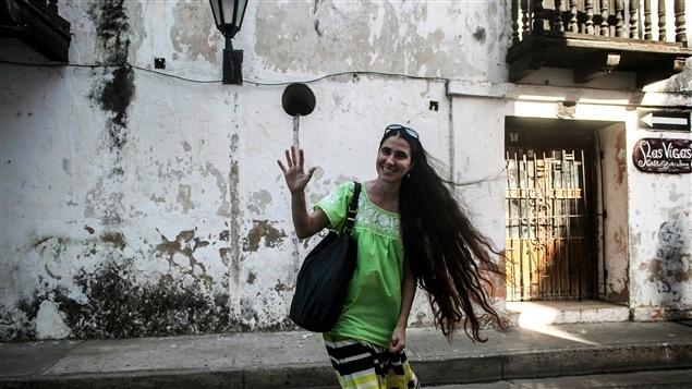 La blogueuse cubaine Yoani Sanchez, fondatrice du journal en ligne indépendant <i>14 y medio</i>.