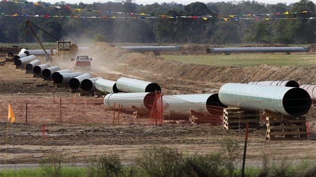 صورة لانابيب نفط في تكساس عام 2012