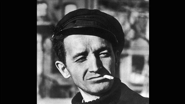 Woody Guthrie, l'un des interprètes de 'Buffalo Skinners'