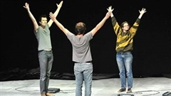 Les créateurs de la pièce de théâtre Germinal  Halory Goerger et Antoine Defoort sont de passage dans notre studio. Germinal est présenté dans le cadre du Carrefour international de théâtre de Québec les 4, 5 et 6 juin.