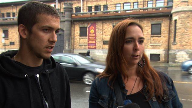 Carl Cadieux et Nadine Lessard qu'ils déposeront une plainte contre le policier.