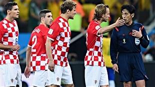 La Croatie fustige l'arbitre, la FIFA le défend