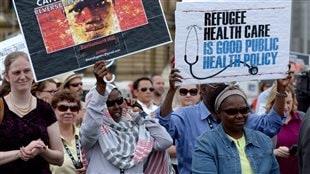 Soins de santé gratuits aux réfugiés: Ottawa fait preuve de «mauvaise foi»