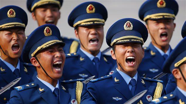 Dans le but de dénicher des soldats plus éduqués, le gouvernement revoit ses règles d'admission. Photo : Yvan Côté