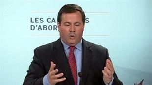 Le nombre d'applications de travailleurs étrangers a baissé, se réjouit le ministre Kenney