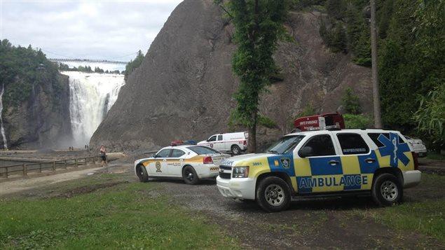 Équipes d'urgence à la chute Montmorency