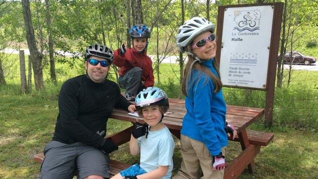 La famille Bibeau-Simard en expédition cycliste familiale autour du monde