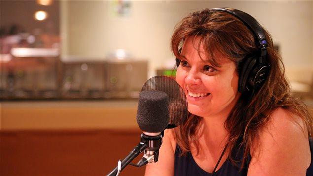 Catherine Beauchamp, chroniqueuse, productrice et animatrice de la webtélé <em>Le tapis rose de Catherine</em>