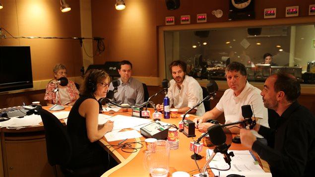 La semi-retraitée Louise Coulombe, le journaliste Gérald Fillion, le comédien Sébastien Huberdeau, le presque retraité Pierre Lemay et l'économiste indépendant Ianik Marcil.