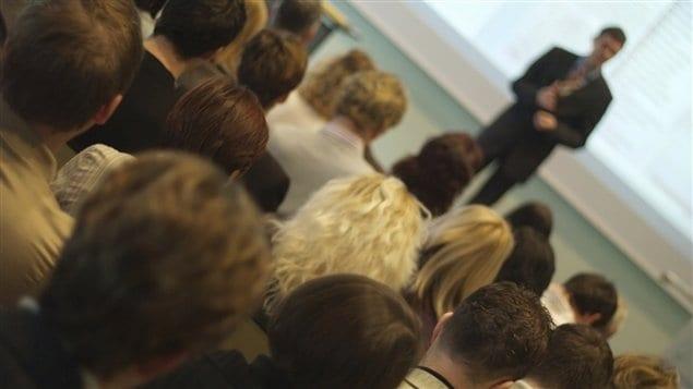 Parler en public: naturel pour certains, terrifiant pour d'autres