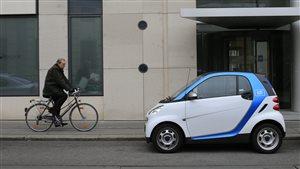 Une voiture de l'entreprise de partage de voiture Car2go photographiée à Vienne, en Autriche.