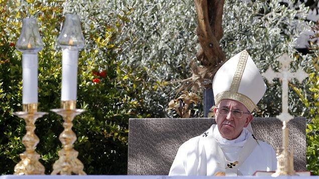 Le pape François à Campobasso, en Italie du sud, le 5 juillet 2014