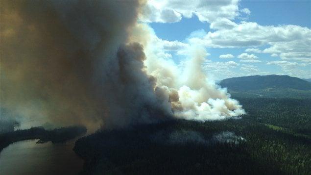Le feu de forêt à l'ouest de Quesnel