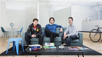 Le président et cofondateur de BusBud, Louis-Philippe Maurice entouré de ses partenaires Frédéric Thouin et Mike Gradek