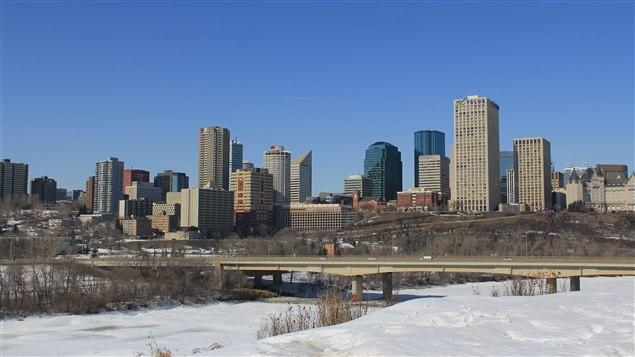 Vue sur centre-ville d'Edmonton en hiver
