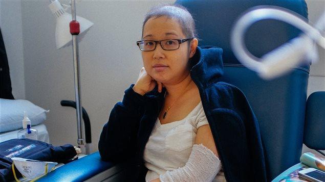 Mai Duong, mère de 34 ans qui attend une greffe de moelle osseuse pour survivre.