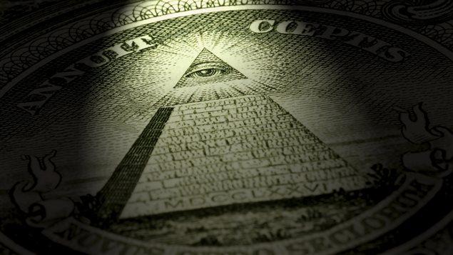 L'oeil de la Providence présent sur le billet d'un dollar américain a été invoqué comme preuve d'un complot mondial maçonnique.