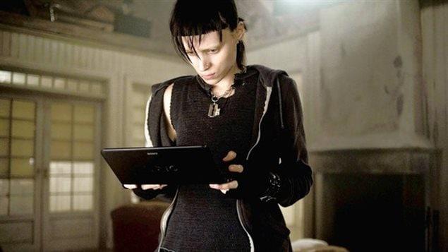 Avec le personnage de Lisbeth Salander de la série Millenium, le cinéma tente de représenter la technologie