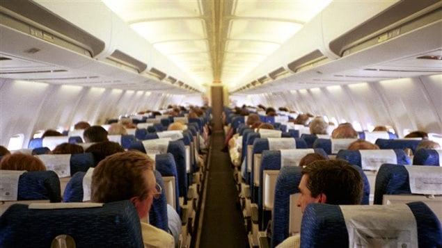 Des applications contre la peur de l 39 avion m dium large for A l interieur de l avion