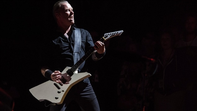 James Hetfield, de Metallica, au festival Glastonbury en juin.