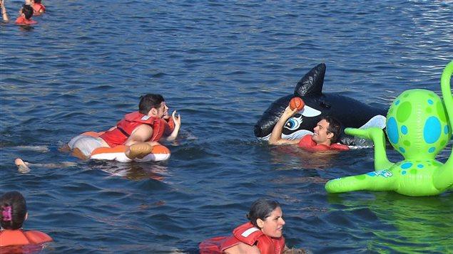 Le 22 juillet 2014, une centaine de Montréalais se sont baignés dans le fleuve Saint-Laurent à l'occasion de l'événement Splash.