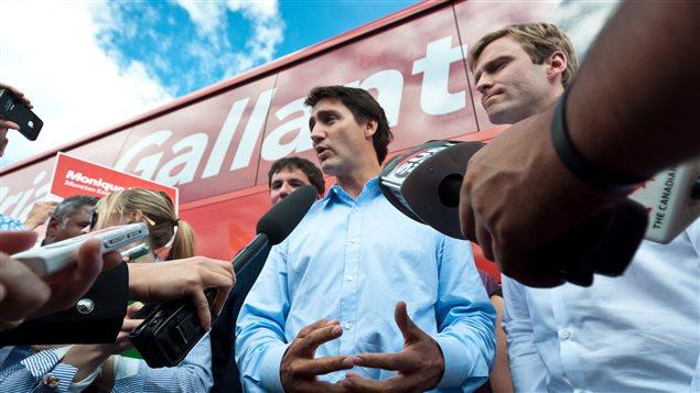 Le chef du Parti libéral du Canada, Justin Trudeau, et le chef du Parti libéral du Nouveau-Brunswick, Brian Gallant, à Moncton.