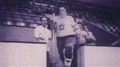Jean Béliveau dans l'uniforme des As de Québec