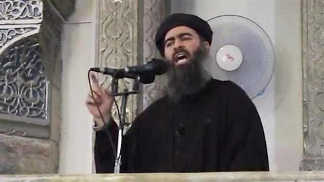 Image non authentifiée d'Abou Bakr Al-Baghdadi, le chef de l'organisation État islamique, tirée d'une vidéo diffusée en juillet 2014