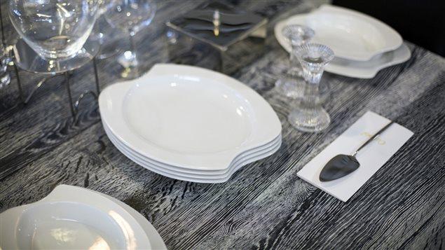 des assiettes de toutes les formes comme les portions bien dans son assiette ici radio. Black Bedroom Furniture Sets. Home Design Ideas