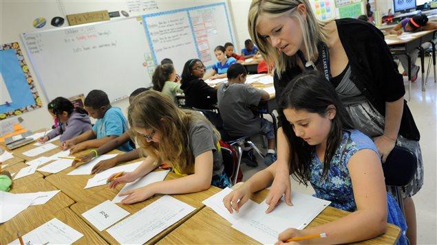 L'aide aux devoirs est menacée dans plusieurs commissions scolaires