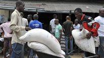 Ebola : une survivante réclame plus de traitements expérimentaux pour l'Afrique