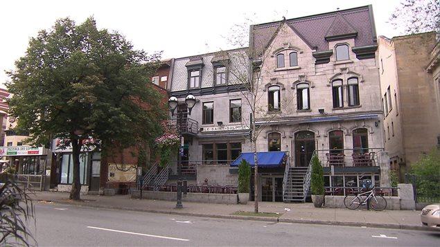 Le bar Saint-Sulpice à Montréal.