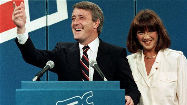 Brian Mulroney et son épouse, Mila, le soir de la victoire électorale du 4 septembre 1984.