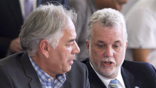 Le premier ministre Philippe Couillard et le chef de l'Assemblée des Premières Nations du Québec, Ghislain Picard.