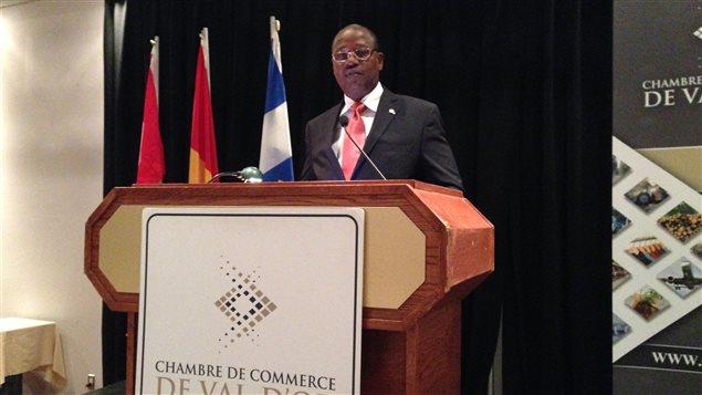Ahmed Titiane Sakho est ambassadeur au ministère des Affaires étrangères de la République de Guinée