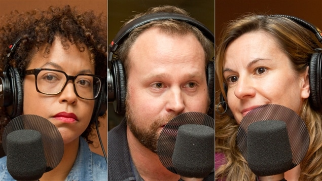 Les journalistes Myriam Fehmiu, Hugo Meunier et Eza Paventi