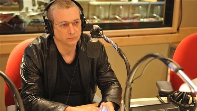 Dan Bigras en entrevue à l'émission C'est pas trop tôt