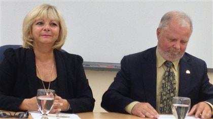 Commissions scolaires divisées, députés embêtés - Radio-Canada