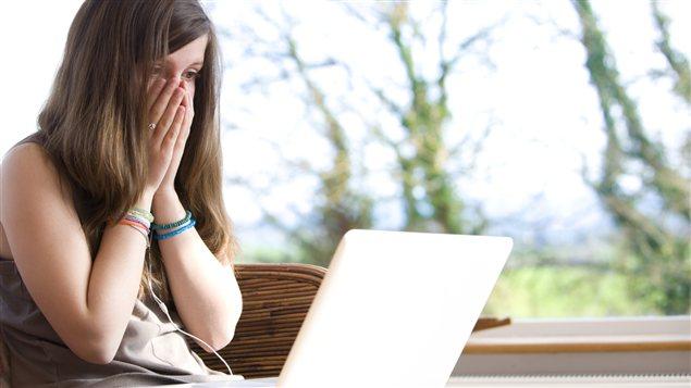 Mettre ses enfants en garde contre l'extorsion en ligne