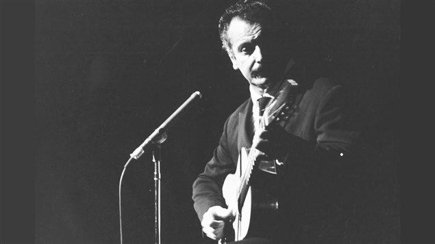 Georges Brassens lors de son passage � Montr�al, en septembre 1961