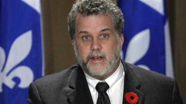 Le ministre de la Santé, Philippe Couillard, le 11 novembre 2003