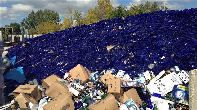 Un plan en trois volets d'Éco Entreprises Québec pour faire de la province la vitrine technologique du recyclage du verre en Amérique du Nord