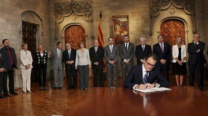 Thumbnail for La Catalogne annonce la tenue d'un référendum sur l'indépendance | ICI.Radio-Canada.ca