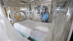 Salle d'isolation pour les patients infectés par le virus Ebola