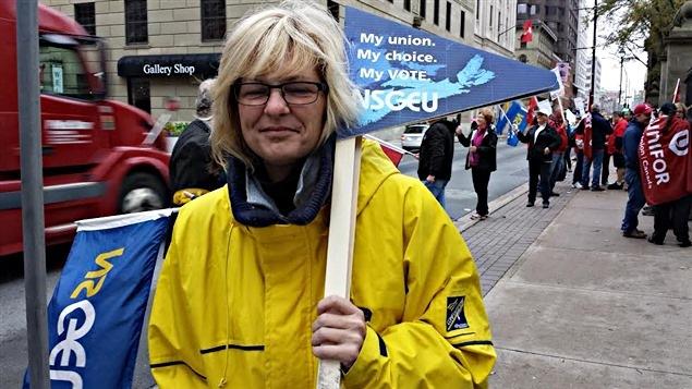 Infirmi�re qui proteste � Halifax