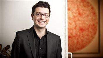 Claudio Marzano, conseiller en arts visuels à la Banque d'œuvres d'art du Conseil des arts du Canada